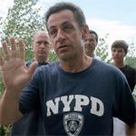 Nicolas Sarkozy wearing a NYPD T-Shirt