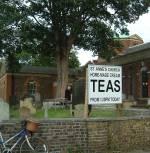 Thé dans l'église Saint-Anne à Kew